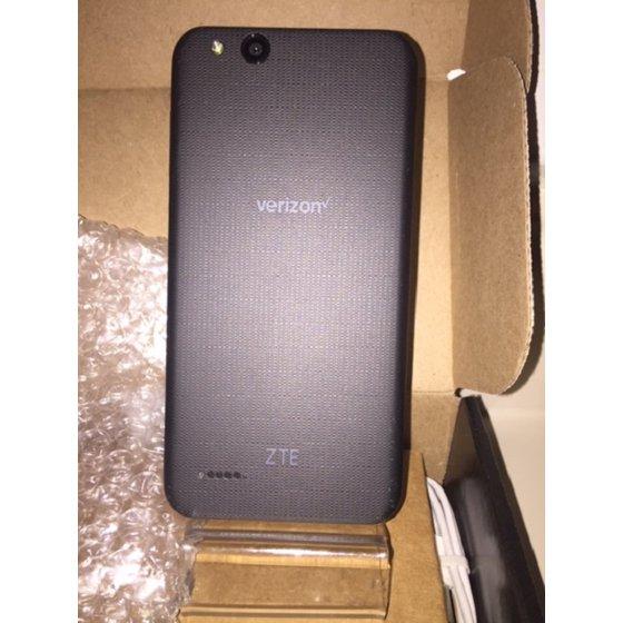 Totalwireless ZTE Flip-phone 4G