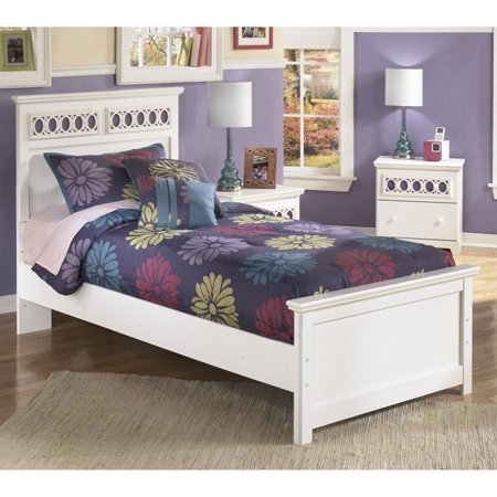 Signature Design by Ashley Furniture Zayley Panel Bed in White