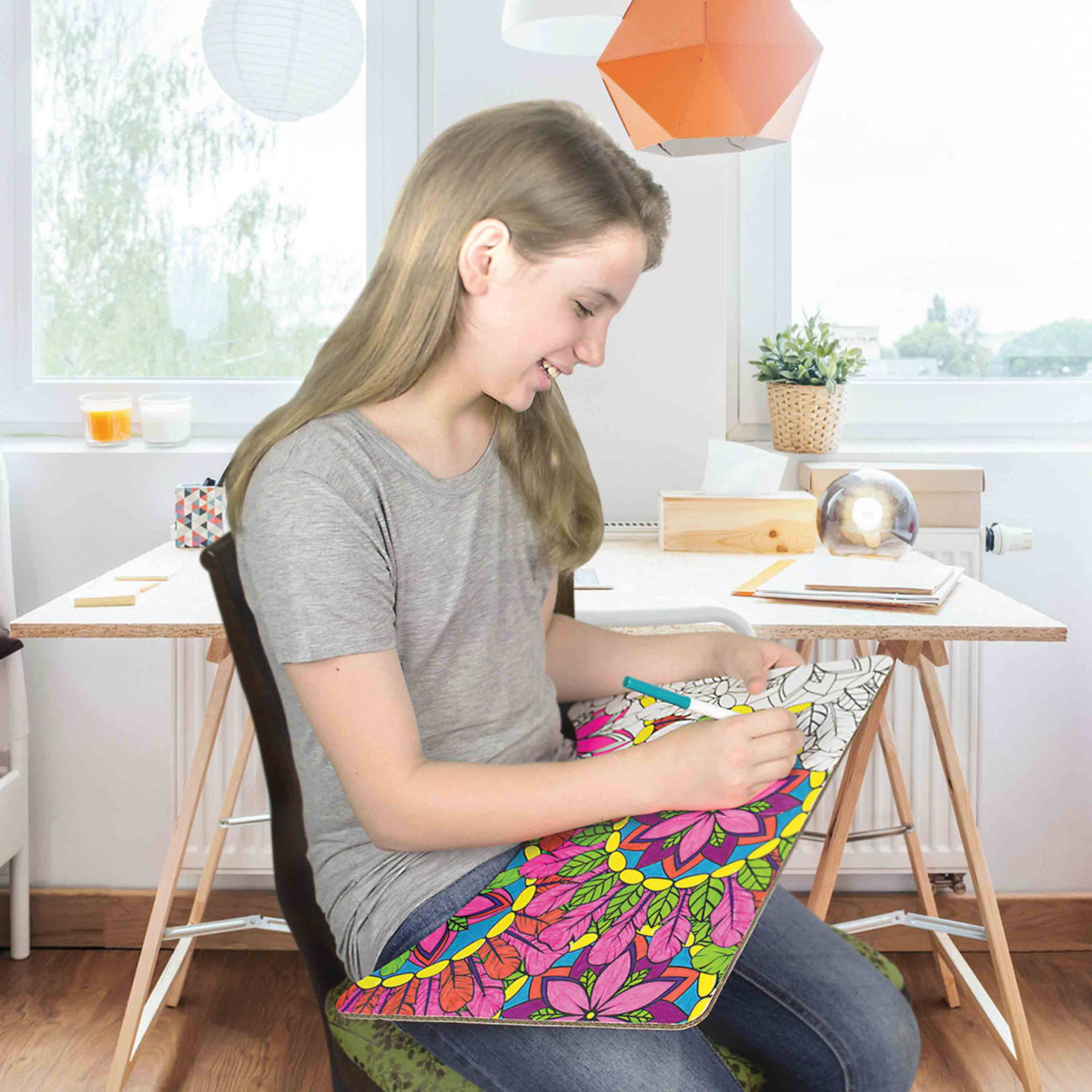 BADA BOARDS Foldable, Portable Lap Desk and Color-On Side with Crayons by Trotta Trails LLC