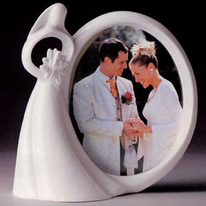 Circle of Love 505048 Bride with Flowers Photo Frame
