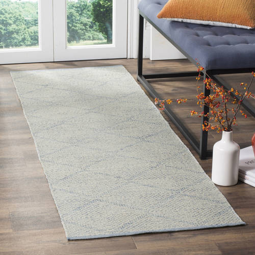 Safavieh Montauk Bailey Geometric Diamond Area Rug or Runner
