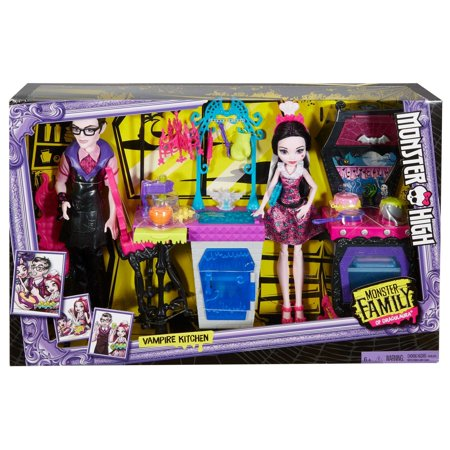 Monster High Monster Family of Draculaura Dolls Kitchen Play Set - Monster High Halloween Wolf Doll