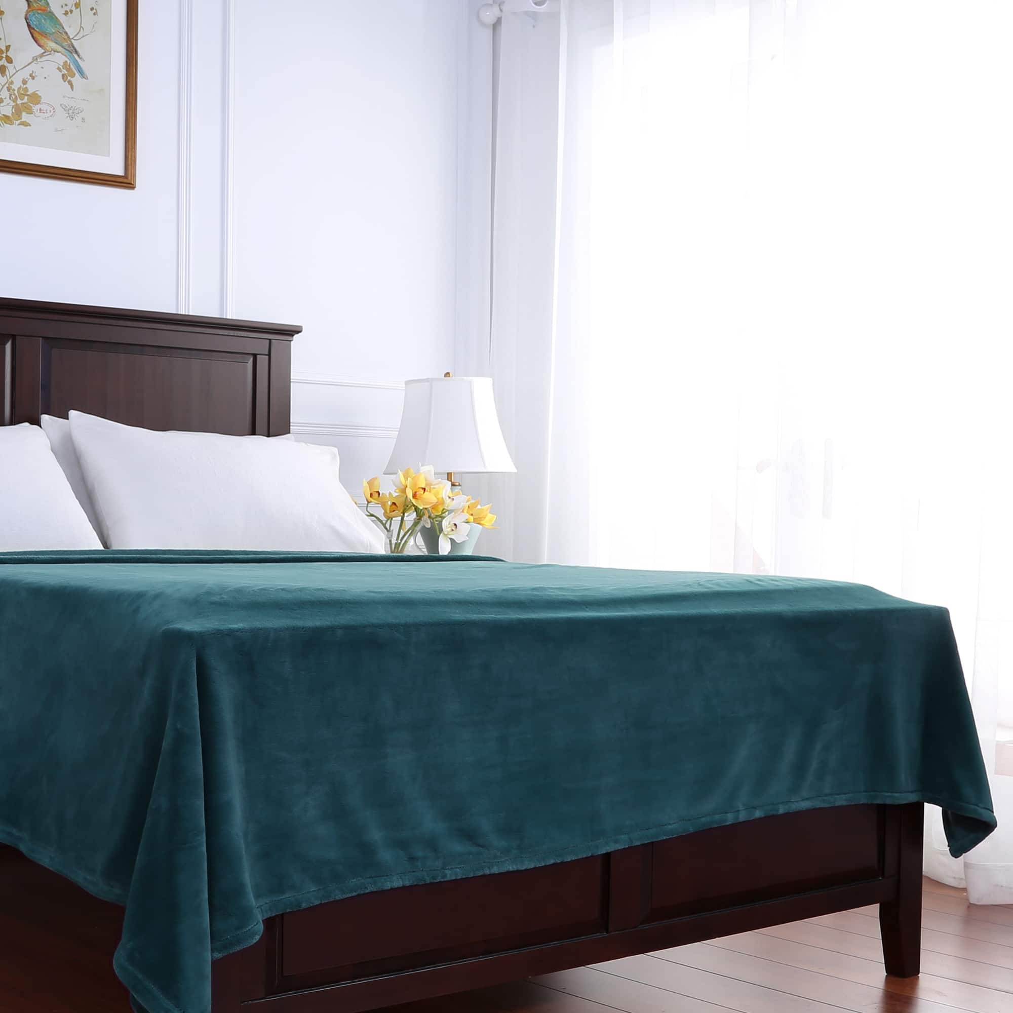 Berkshire Blanket and Home Co Berkshire Blanket PrimaLush Solid Color Bed Blanket by Overstock