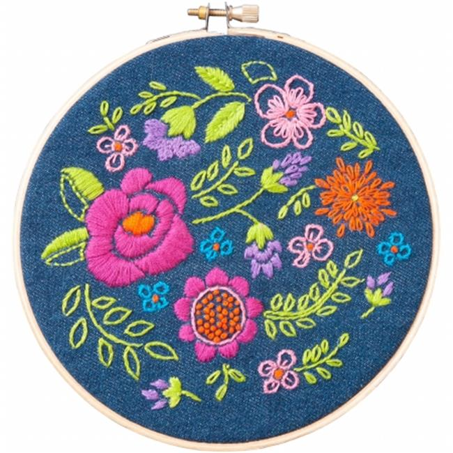 6 in. Round Floral Explosion Stamped Embroidery Kit-6 in. Round