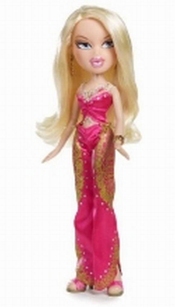Bratz Cloe Fashion Sleep Wear Collection Walking Doll by MGA