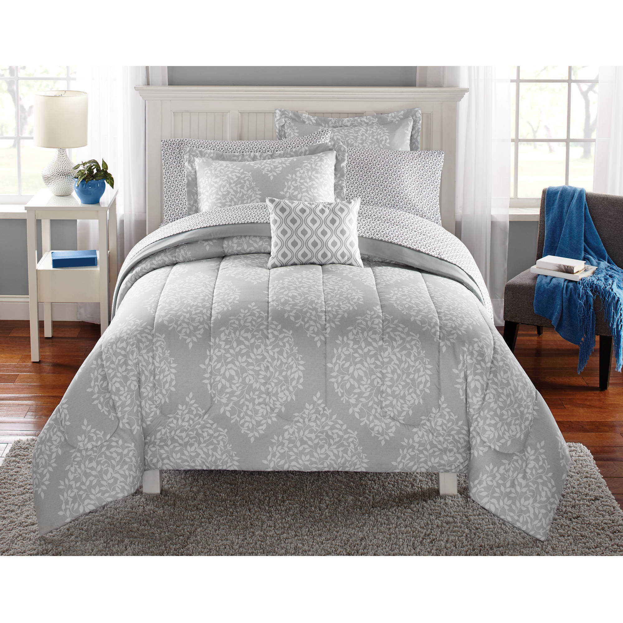Mainstays Leaf Medal Bed in a Bag Bedding Set - Walmart.com