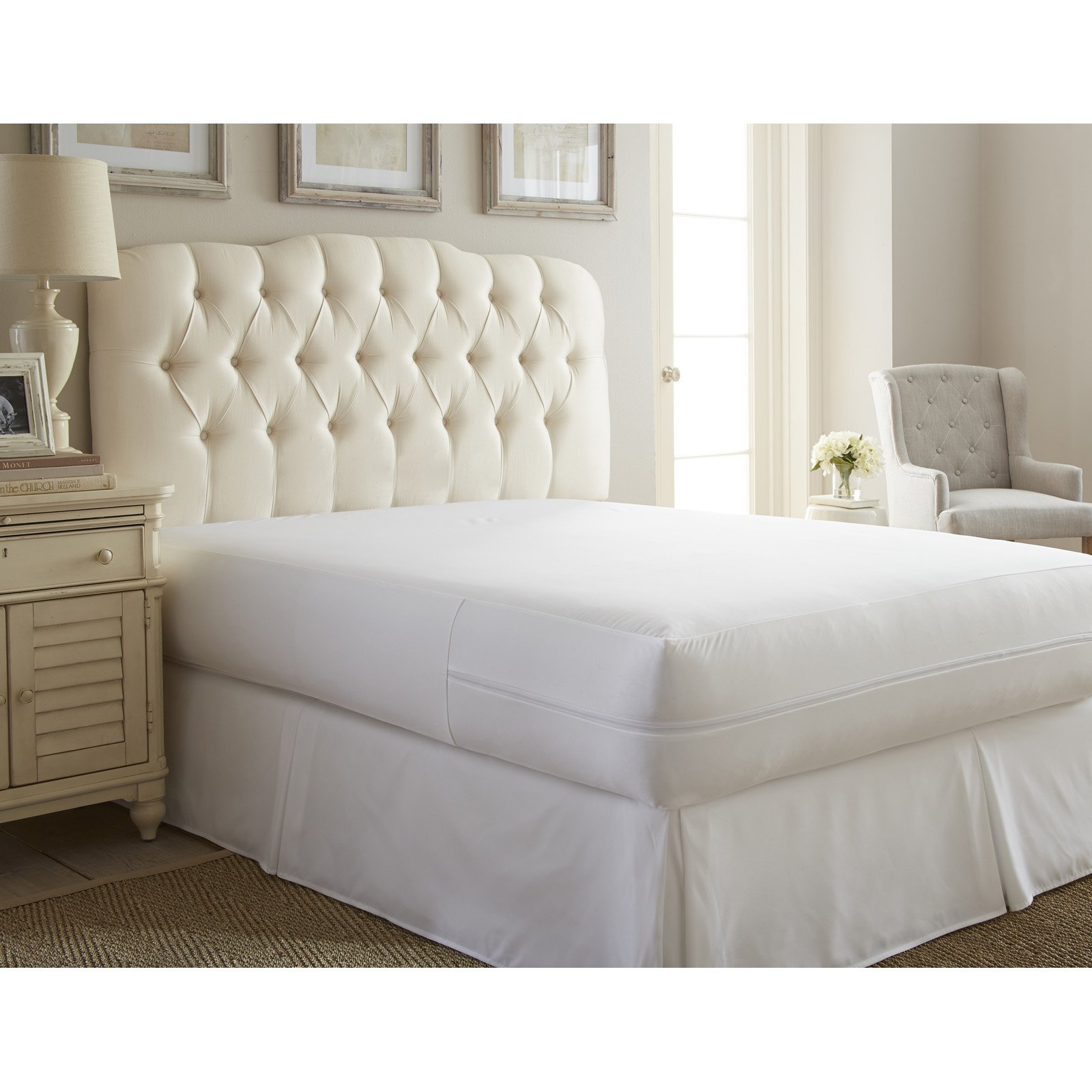 Simply Soft Zippered Mattress Protector by ienjoy Home by iEnjoy Bedding