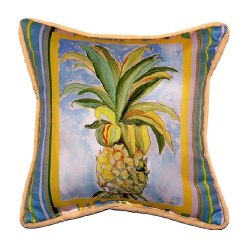 Betsy Drake Interiors Garden Pineapple Indoor/Outdoor Throw Pillow