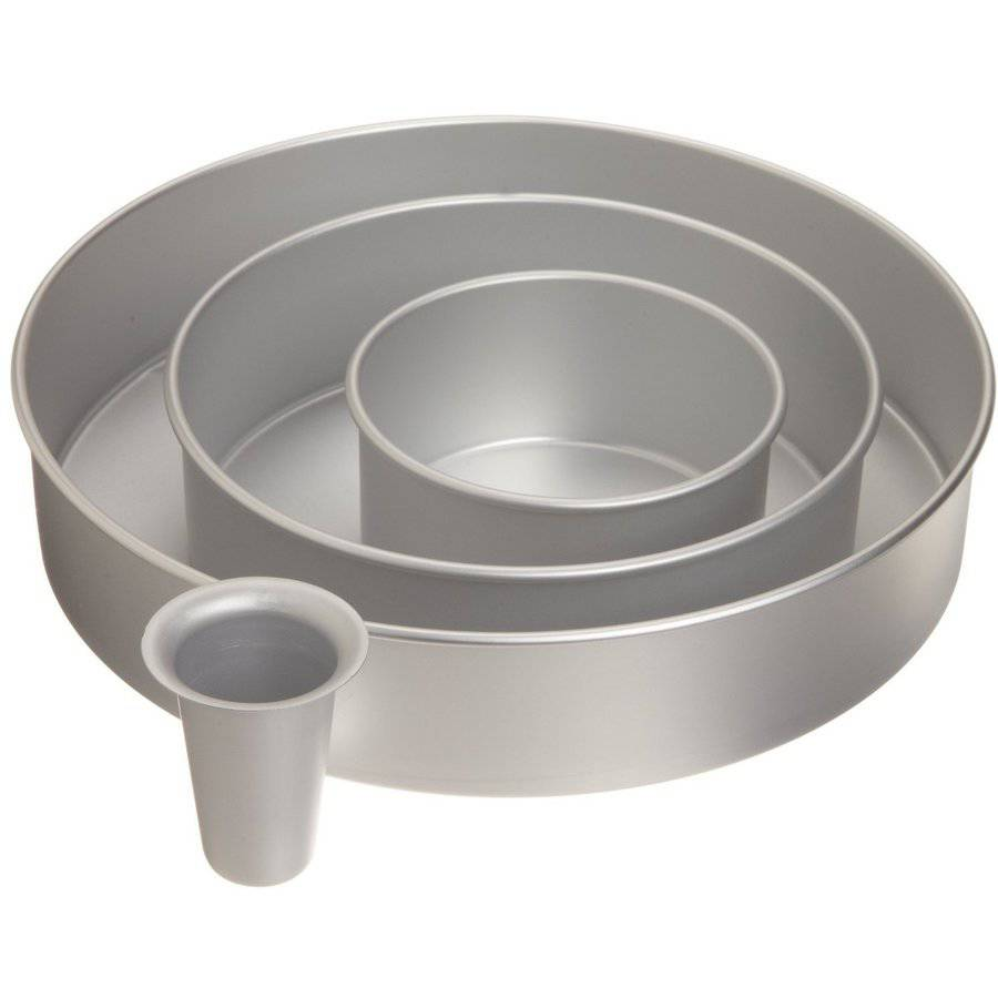 Wilton Decorator Preferred 3-Piece Cake Pan Set With Heating Core, Round 2105-6150