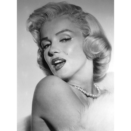 Marilyn Monroe Stretched Canvas -  (8 x 10) 10 Stretched Canvas