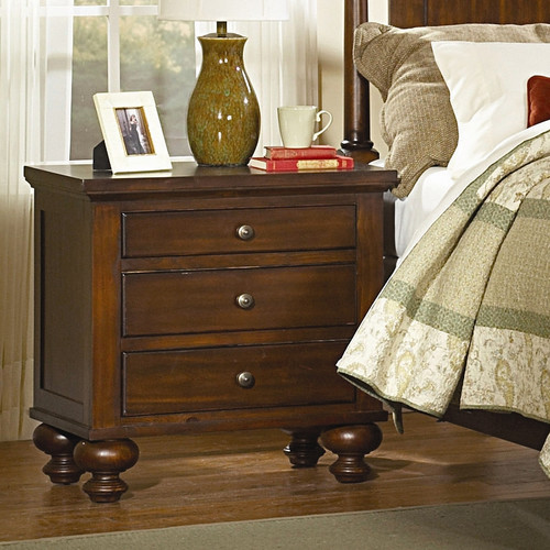 Woodhaven Hill Aris 3 Drawer Bachelor's Chest