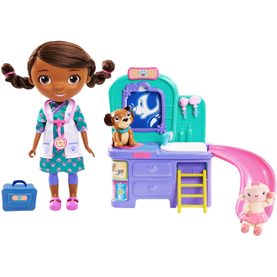 Disney Junior Doc McStuffins Pet Vet Magic Talking Doc and Clinic