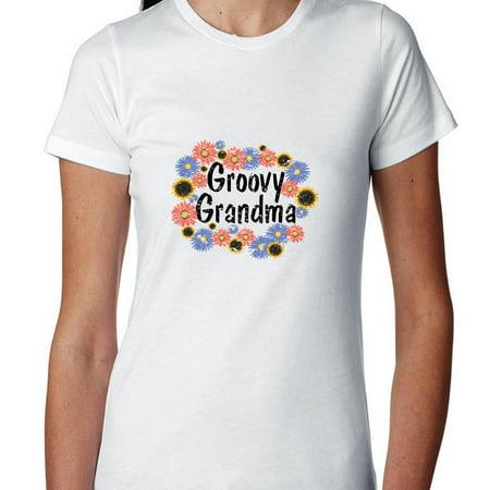 Flower Power Short - Groovy Grandma - Colorful Flower Power Women's Cotton T-Shirt