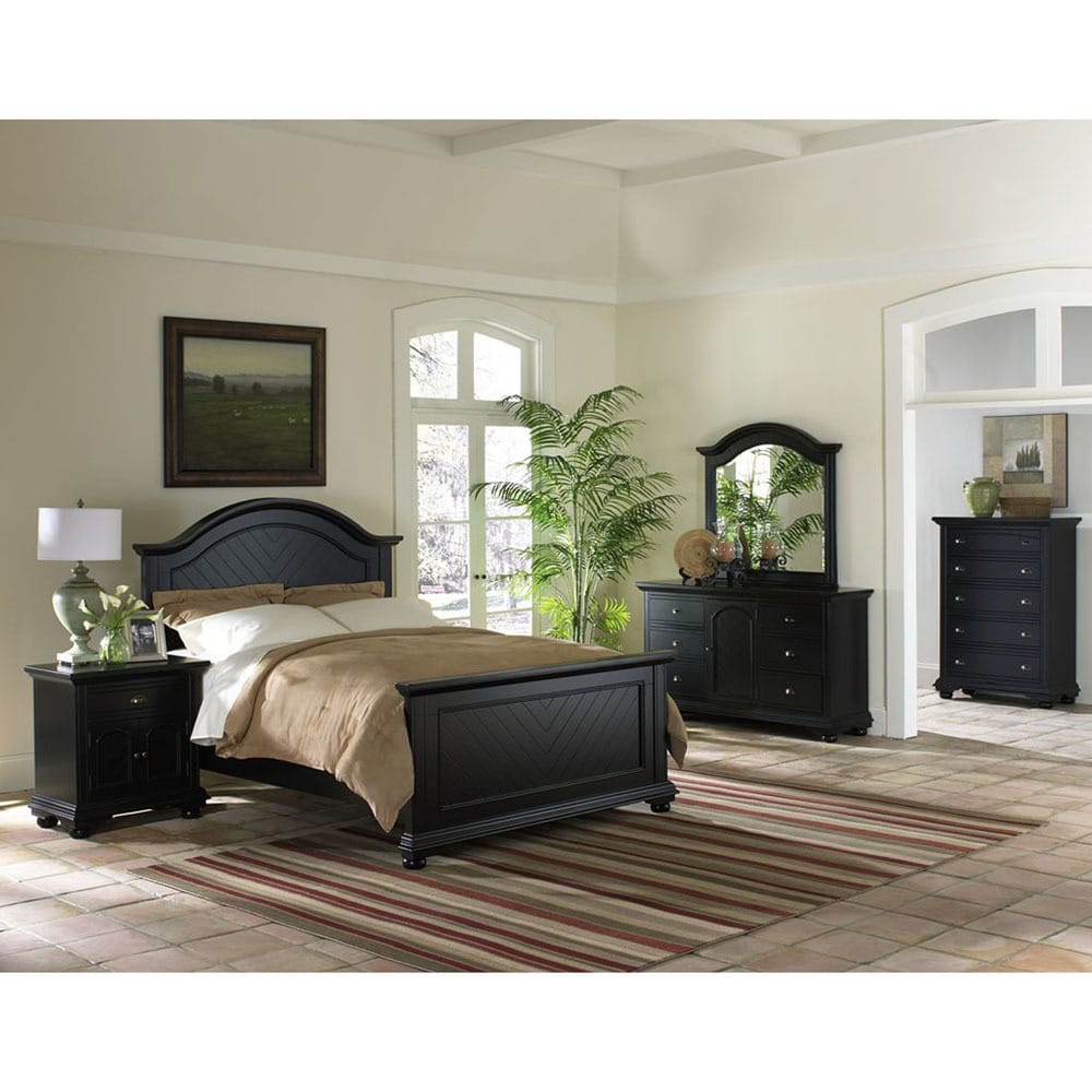 Cambridge Hyde Park 5 Piece Bedroom Suite in Black with Queen Bed, Dresser, Mirror, Chest, Nightstand