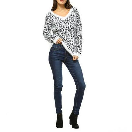 White Mark Women's Leopard Printed Sweater