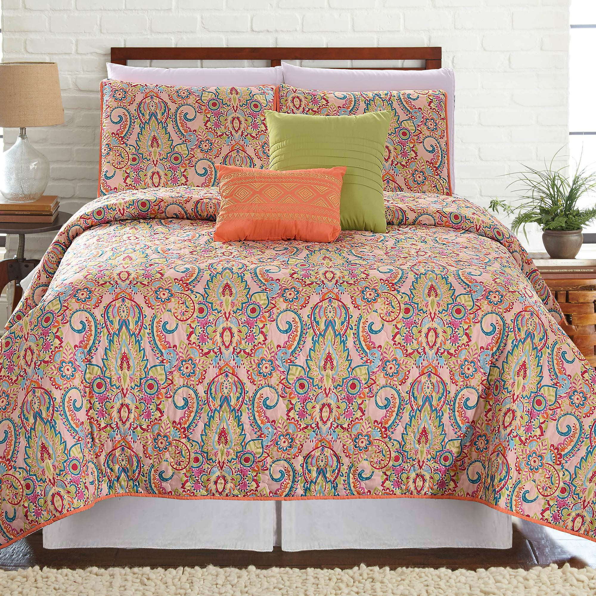Click here to buy 5 Piece Printed Reversible Quilt Set Casanova by Amrapur Overseas, Inc..