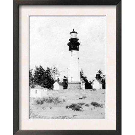 (Grays Harbor Lighthouse in Westport, WA Photograph - Westpo... Framed Art Print Wall Art)