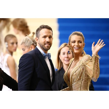 Ryan Reynolds Blake Lively At Arrivals For Rei Kawakubo & Comme Des Garcons Costume Institute Gala - Arrivals 1 Metropolitan Museum Of Art New York Ny May 1 2017 Photo By John NacionEverett Collection](Des Photo D'halloween)
