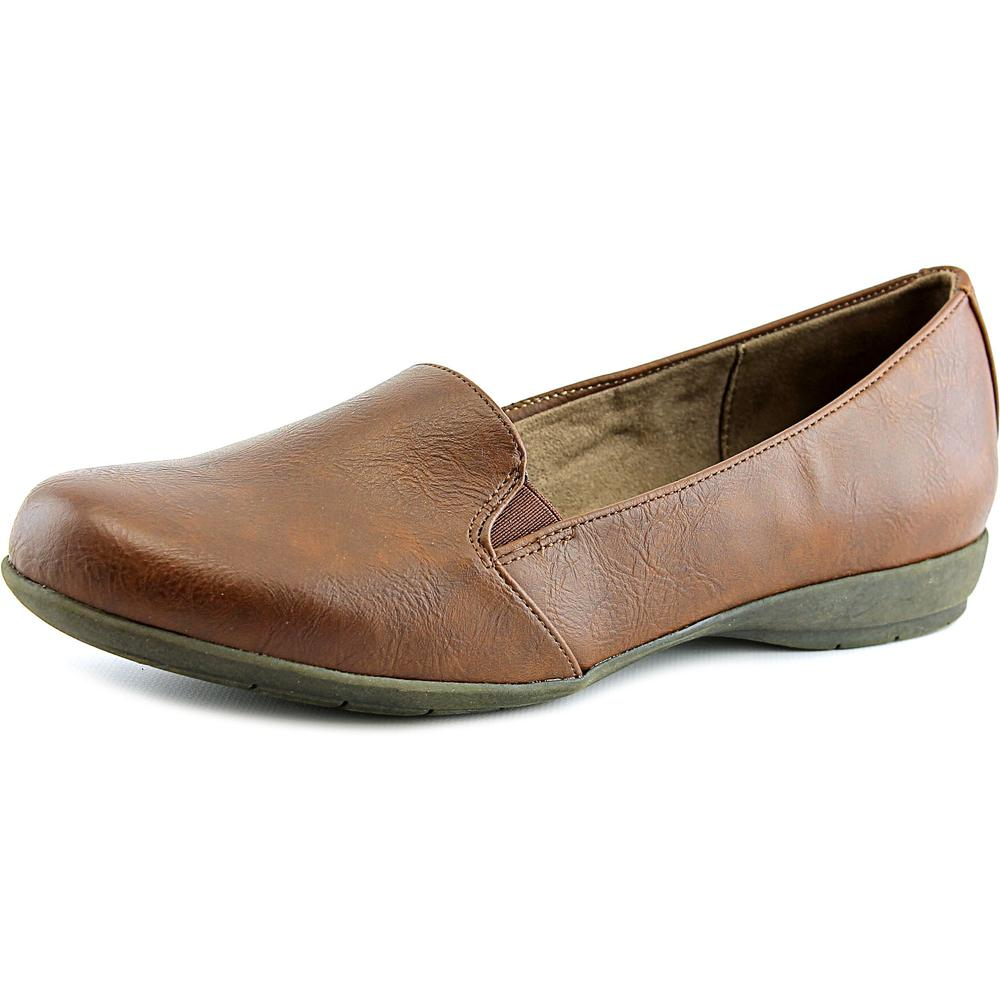 Naturalsoul by Naturalizer Gabber Women Round Toe Synthetic Loafer by NaturalSoul by Naturalizer