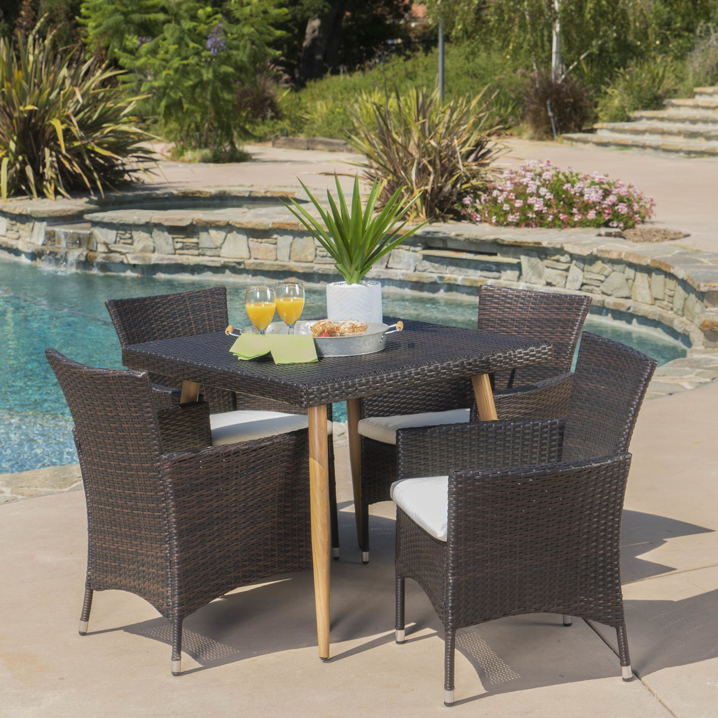 Christopher Knight Home Carpinteria Outdoor 5-piece Square Dining Set with Cushions by