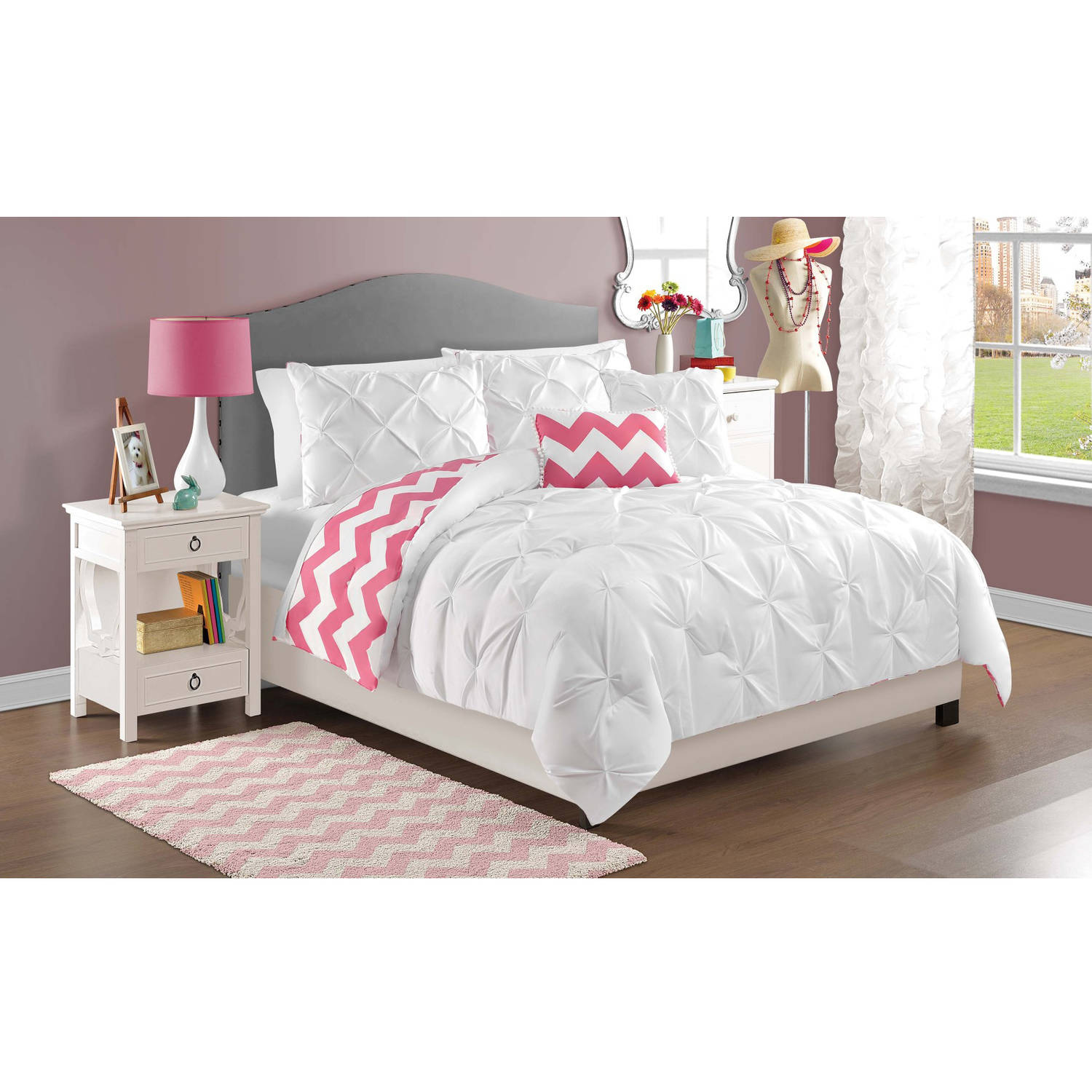 VCNY Home White Kara Pintuck Reversible Chevron Bedding Comforter Set, Decorative Pillows Included