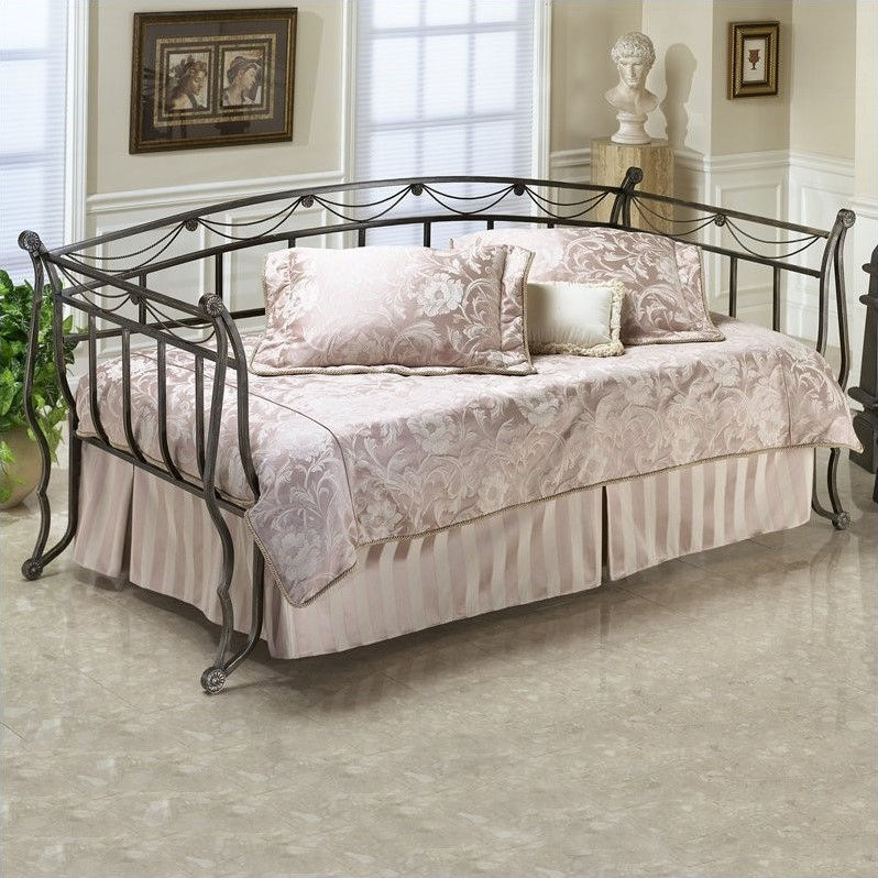 Hillsdale Camelot Metal Daybed in Black Gold-Daybed only