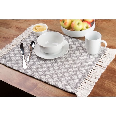 Woven Placemats (Sticky Toffee Cotton Woven Placemat Set with Fringe, Scalloped Diamond, 4 Pack, Gray, 14 in x 19)