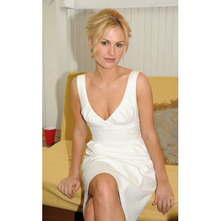 Anna Paquin Inside For Hamptons Magazine Memorial Day Weekend Party Pink Elephant Southampton Ny May 24 2009 Photo By Rob Richeverett Collection Celebrity