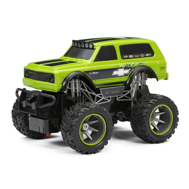 New Bright RC 1:24 Scale Chevy Blazer Radio Control Truck - Green