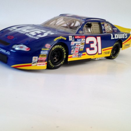 #31 Lowe's Mike Skinner Action Racing Collectables, INC. 2000 Monte Carlo 1 of 7,500 1:24 Official NASCAR Diecast Car