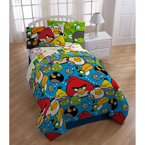 Angry Birds Comforter by Generic