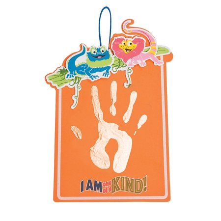 Fun Express - Comp Of Wild Wonders Handprint ck - Craft Kits - Hanging Decor Craft Kits - Handprint Decoration Kits - 12 Pieces