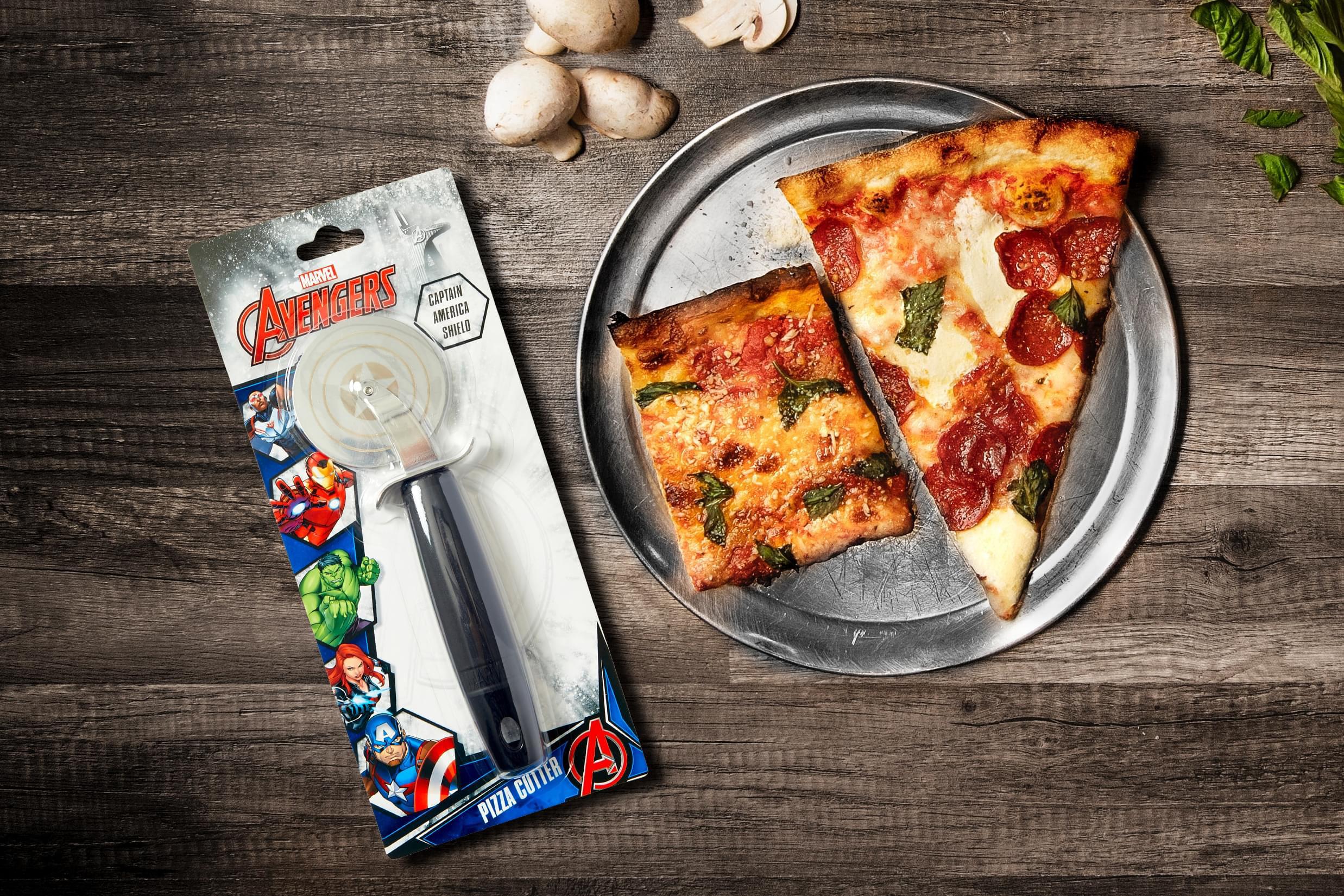 Marvel S Captain America Shield Pizza Cutter Walmart Com Walmart Com