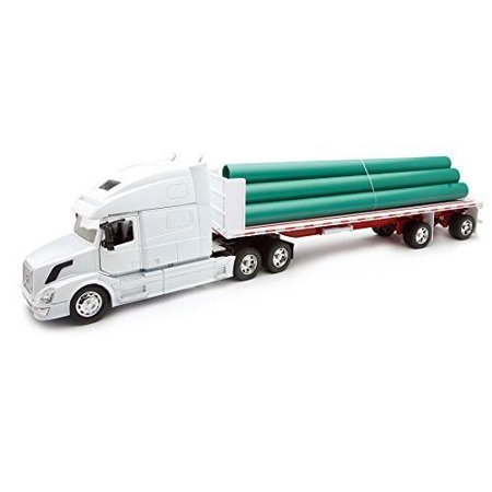 - 1:32 Scale Volvo VN-780 Flatbed Trailer with Long Pipe