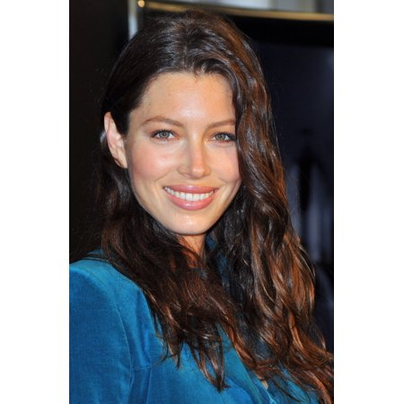 Jessica Biel At In Store Appearance For Revlon Grow Luscious Plumping Mascara Launch Canvas Art     16 X 20