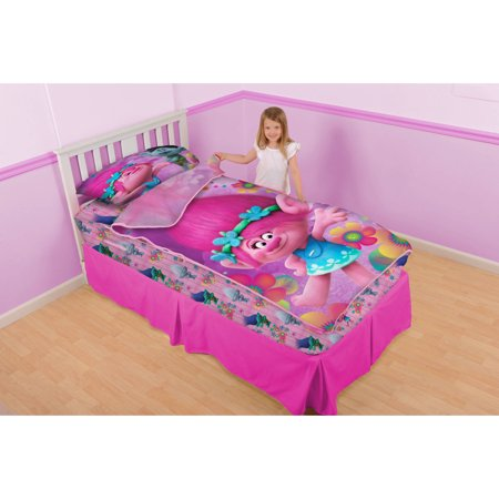 DreamWorks Trolls 'Poppy and Petals' Zip It Bedding Set with Pillowcase