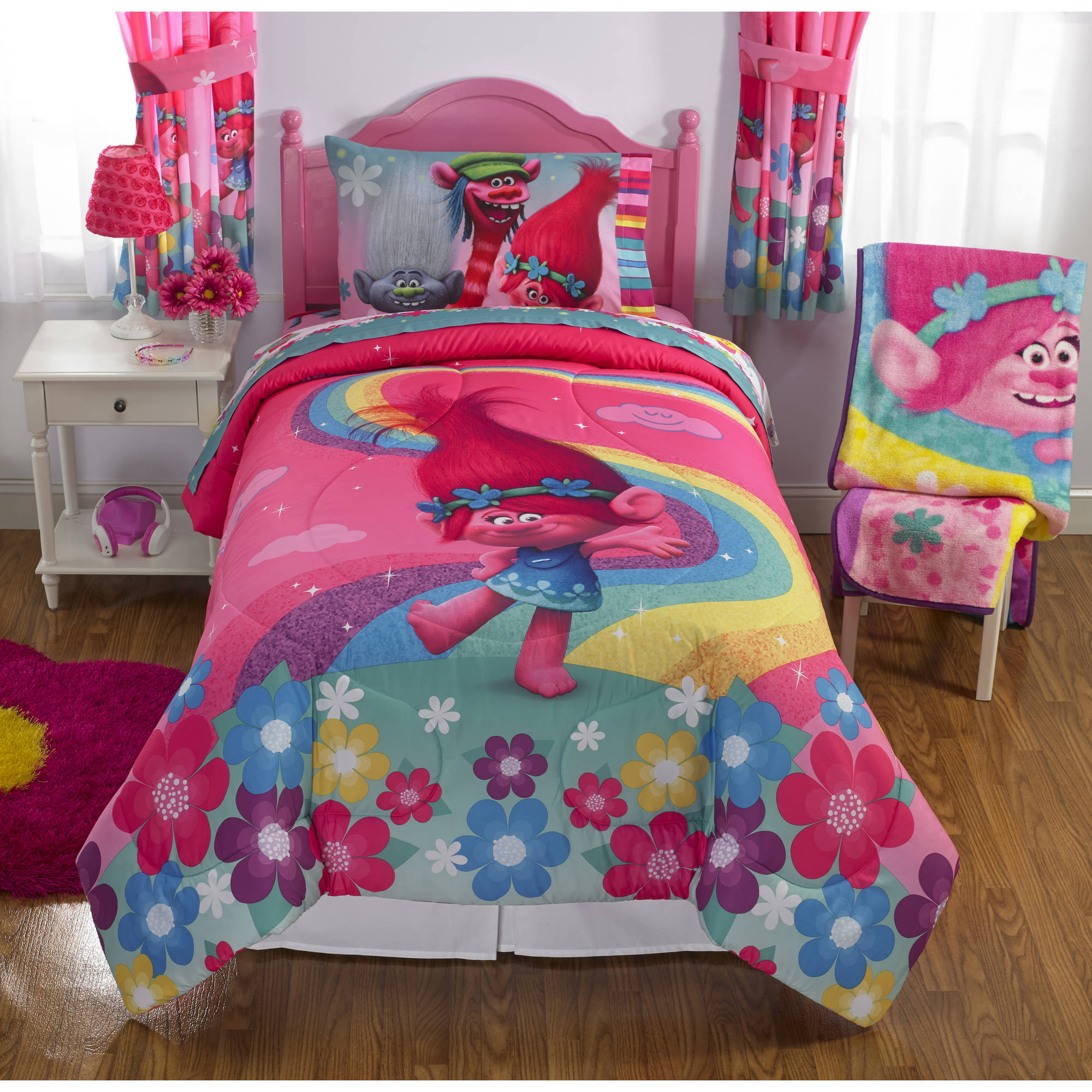 Dreamwork's Trolls Poppy Reversible Twin/Full Bedding