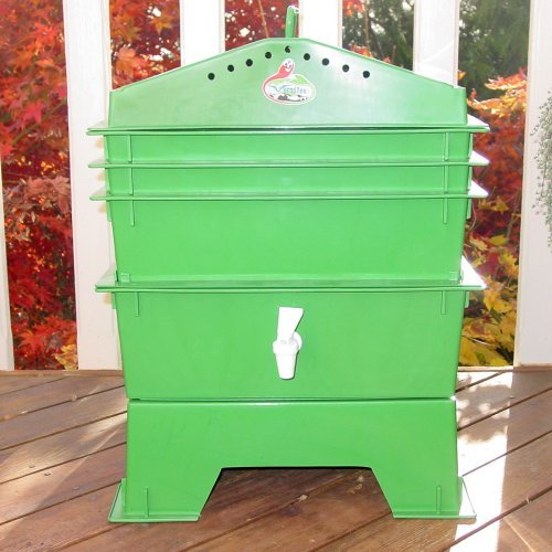 VermiHut 3-Tray Recycled Plastic Worm Composter - Green