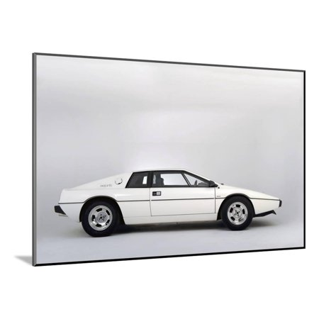 Lotus Esprit 1977 from the James Bond film The Spy Who Loved Me Wood Mounted Print Wall Art By Simon Clay ()