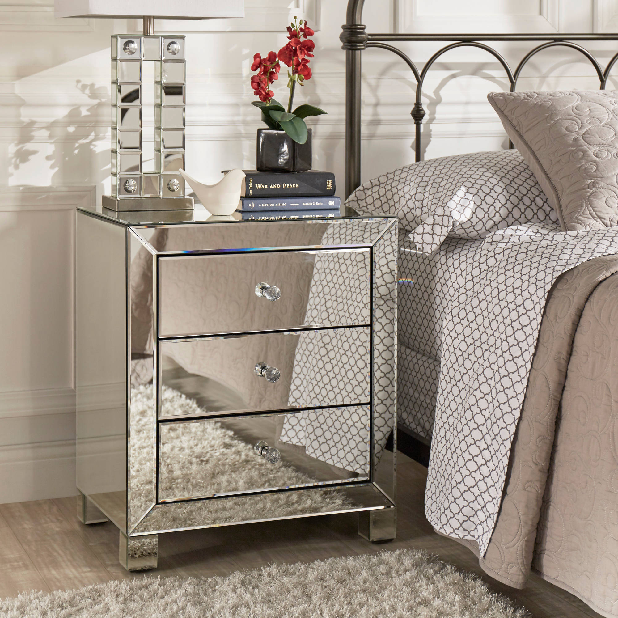 Chelsea Lane Silver Mirrored Accent Table