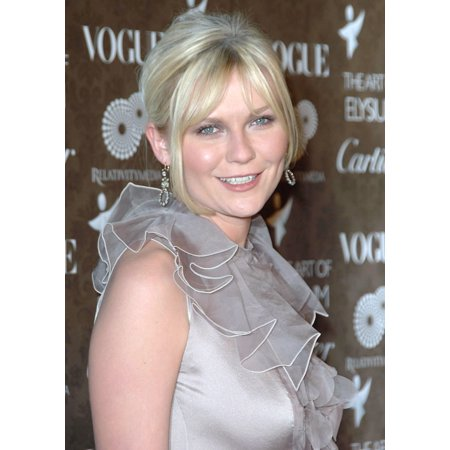 Kirsten Dunst  Wearing A Valentino Gown  At Arrivals For The Art Of Elysium 2Nd Annual Black Tie Gala Rolled Canvas Art     8 X 10