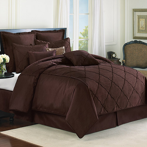 The Veratex Diamonte Comforter Set