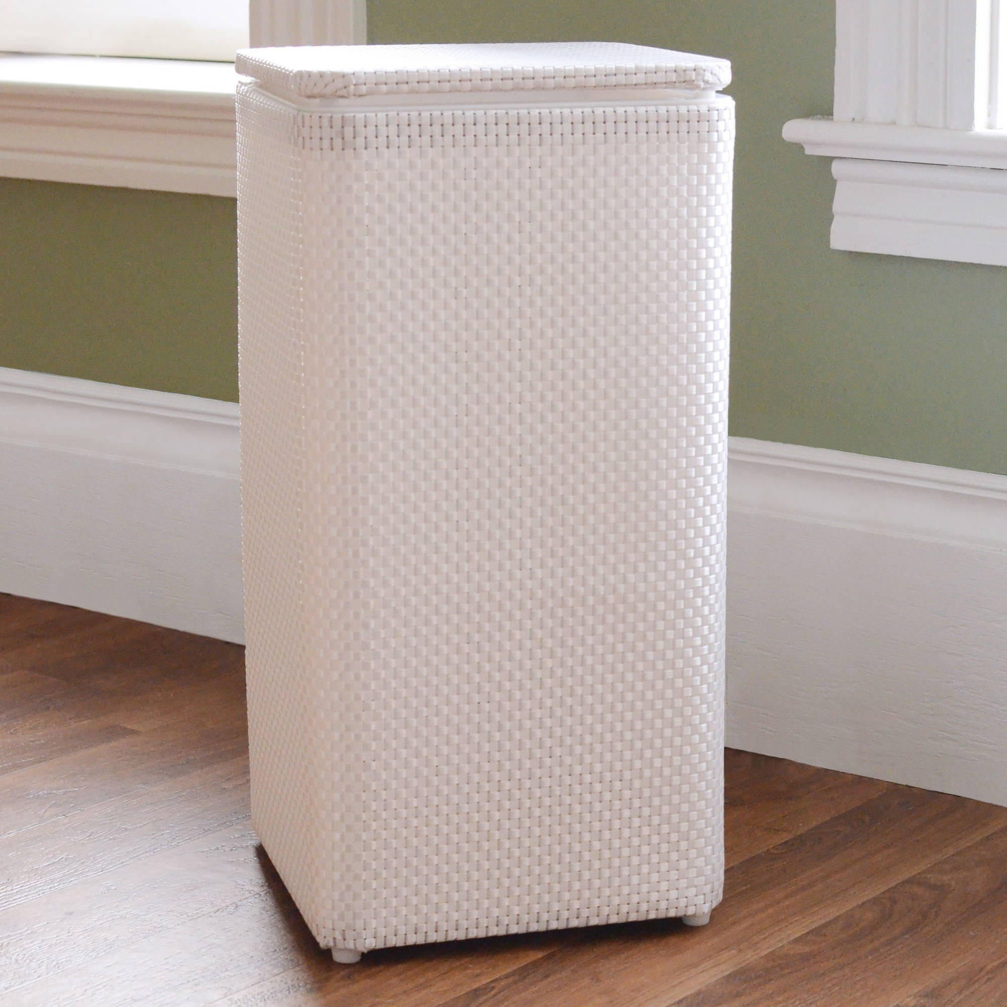 1530 LaMont Home Apartment Hamper
