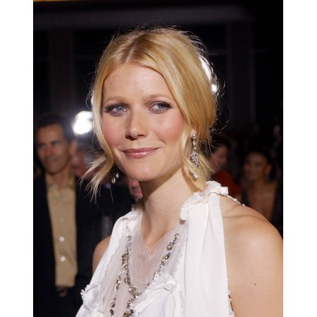 Gwyneth Paltrow At The Premiere Of Sky Captain And The World Of Tomorrow Sept 14 2004 In Los Angeles Calif (Gwyneth Paltrow Style)