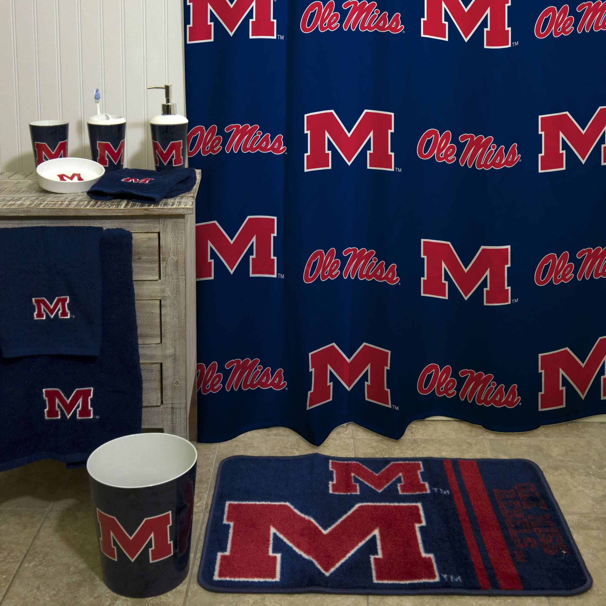 NCAA Ole Miss Applique Bath Towel 1 Each
