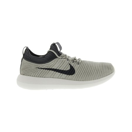 wholesale dealer 2be21 05df9 Nike Women s Roshe Two Flyknit V2 College Navy   Sail Ankle-High Running  Shoe ...
