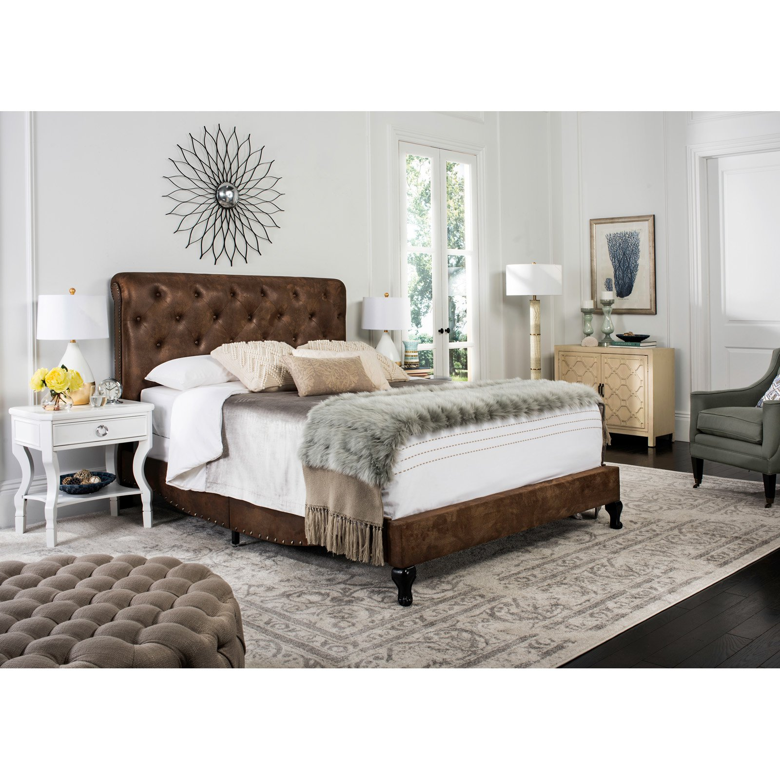Safavieh Hathaway Bed with Nail Heads