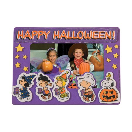 Fun Express - Peanuts Halloween Pic Mag Frame CK-12 for Halloween - Craft Kits - Stationary Craft Kits - Frame - Halloween - 12 Pieces - Halloween Bday Pics