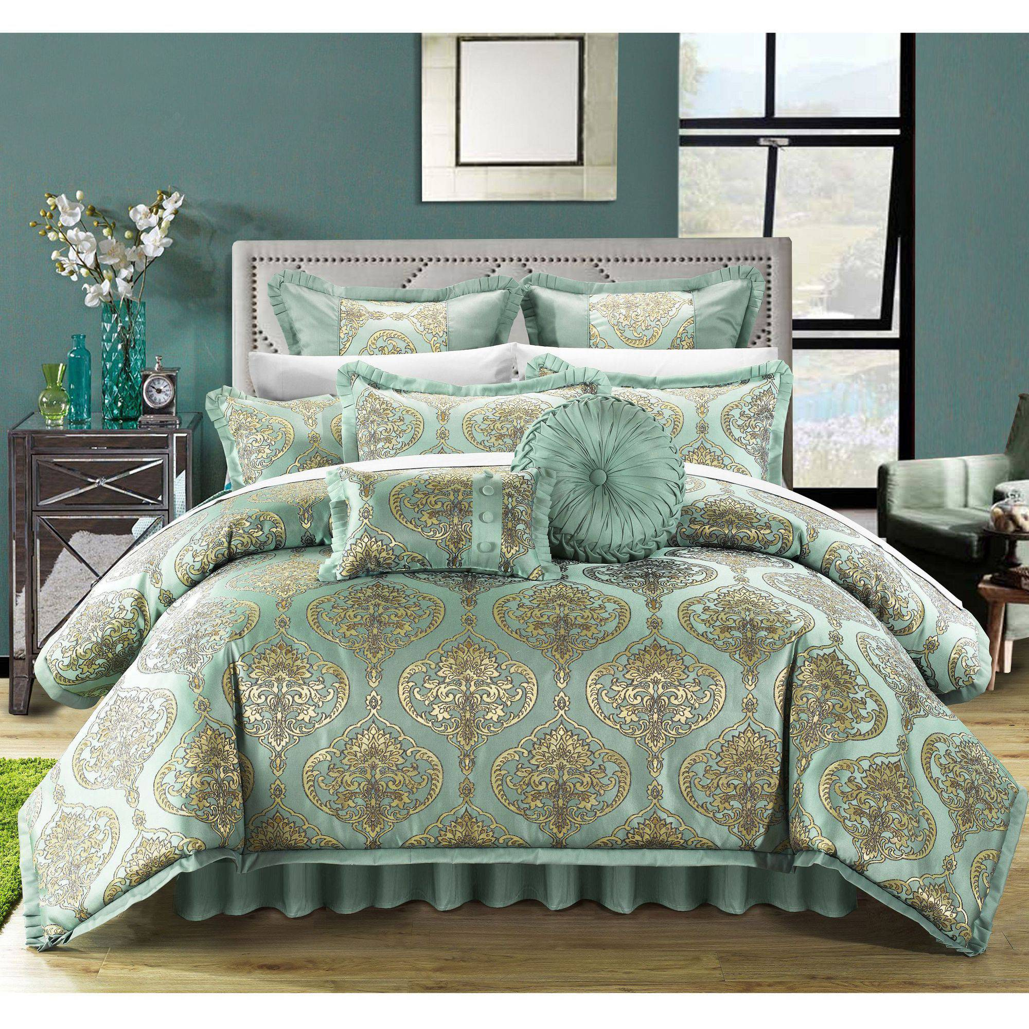 Chic Home 9-Piece Giovani Comforter Set and Pillows Ensemble