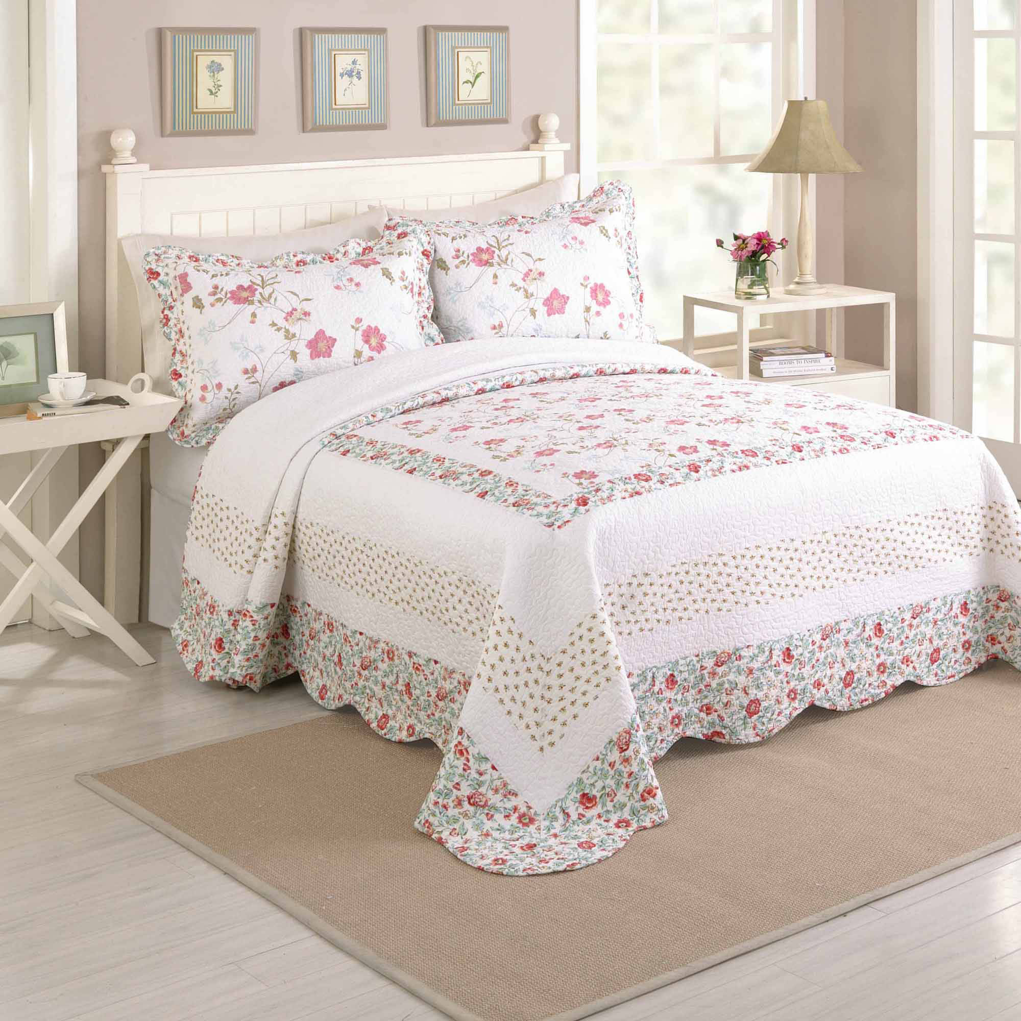 Better Homes and Gardens Fryda Bedspread